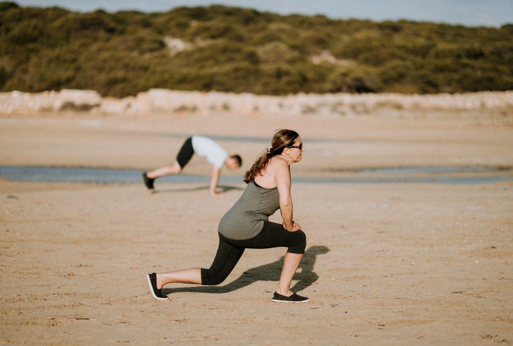 lunges op het strand